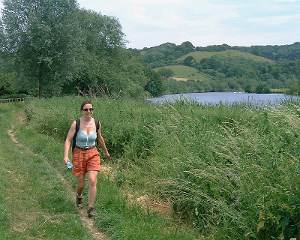 Walking the Thames Path near Goring